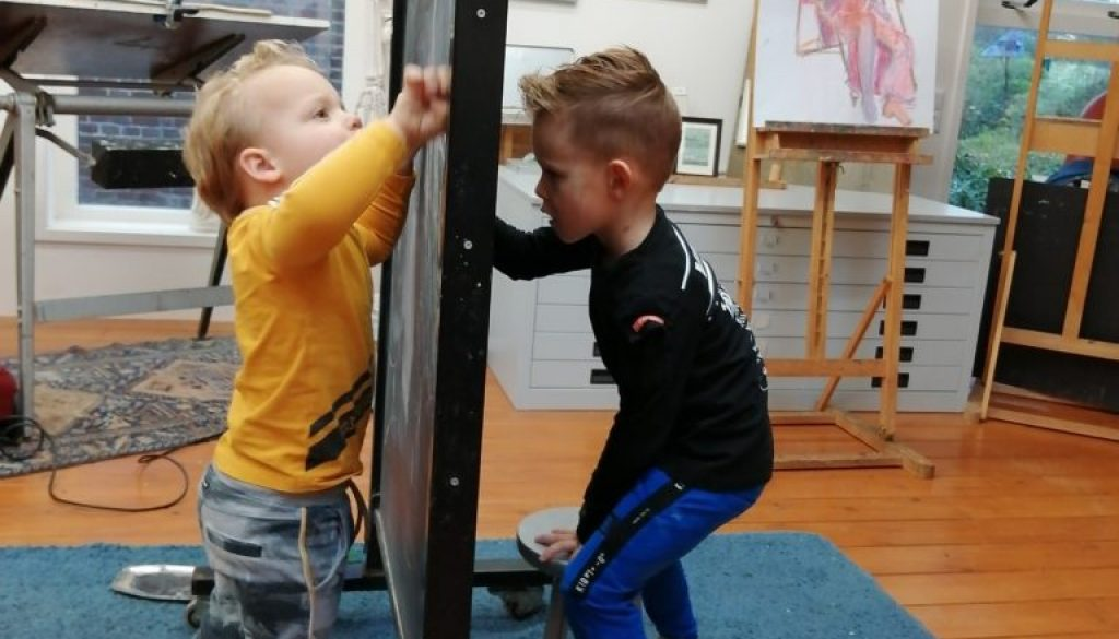 Collin en Vince in het atelier